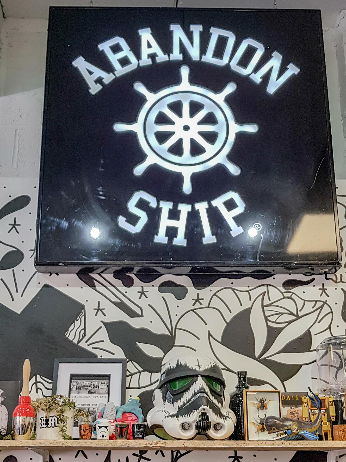 Abondon Ship