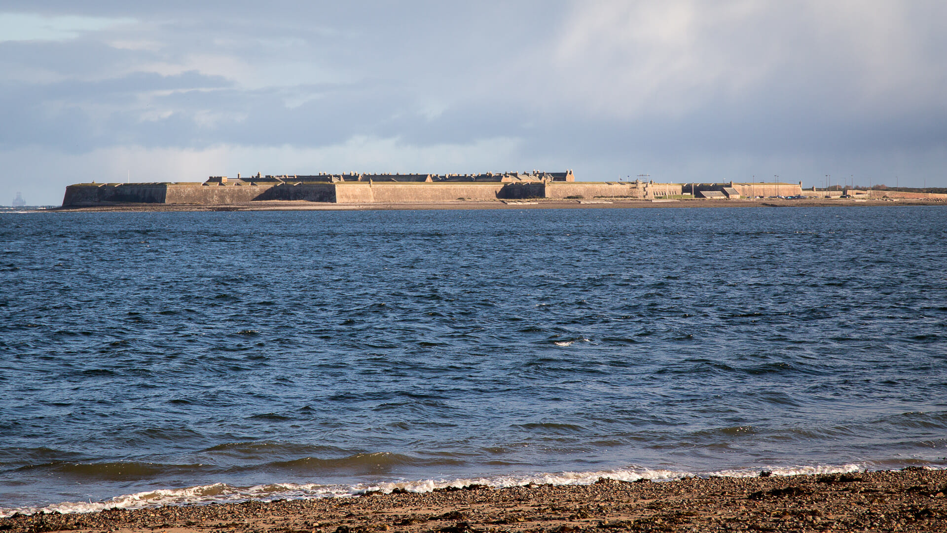 Fort George vom Chanonry Point aus
