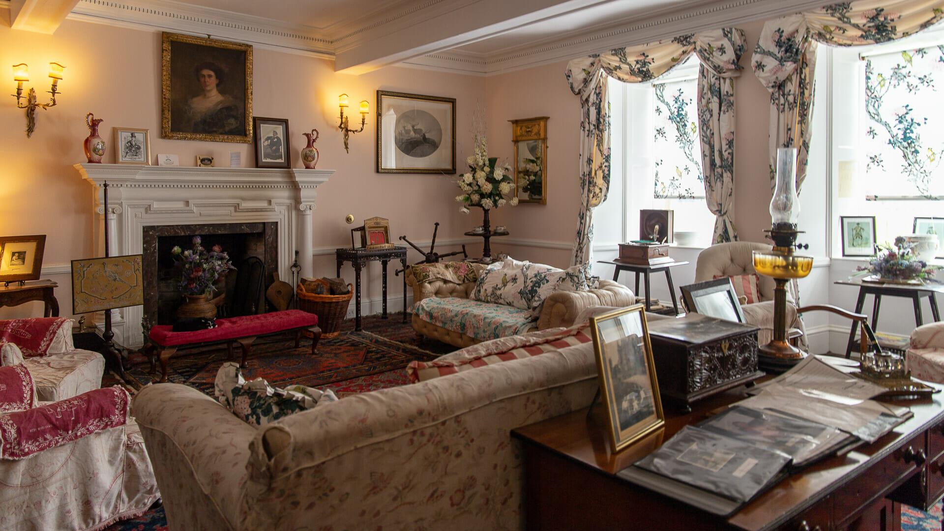 Eines der schönen Zimmer der Braemar Castle