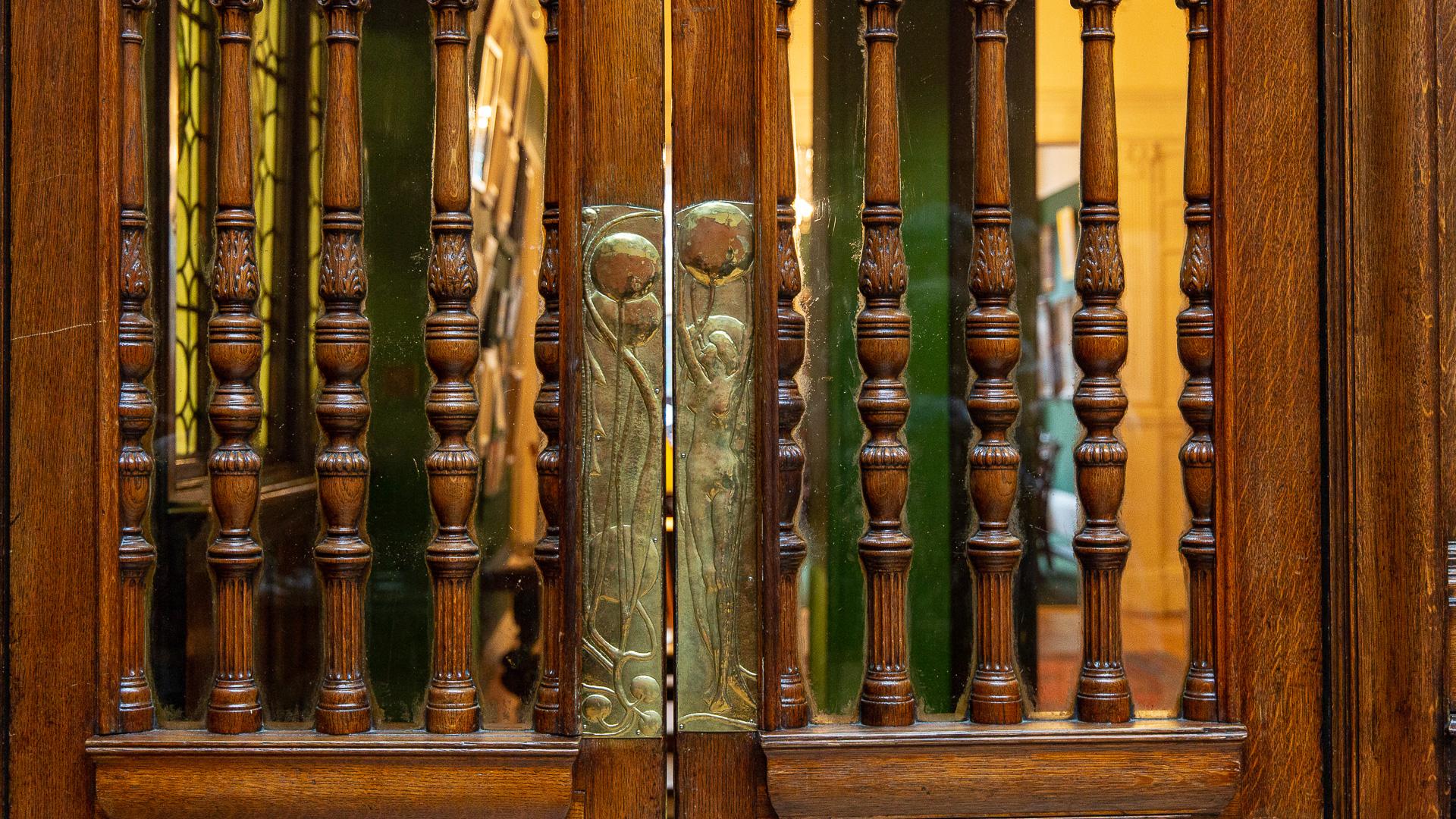 Mackintosh Design auch an der Tür
