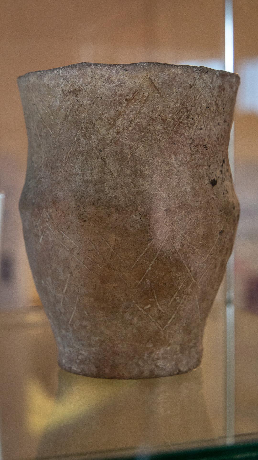 Ein Becher aus dem Ende der Steinzeit