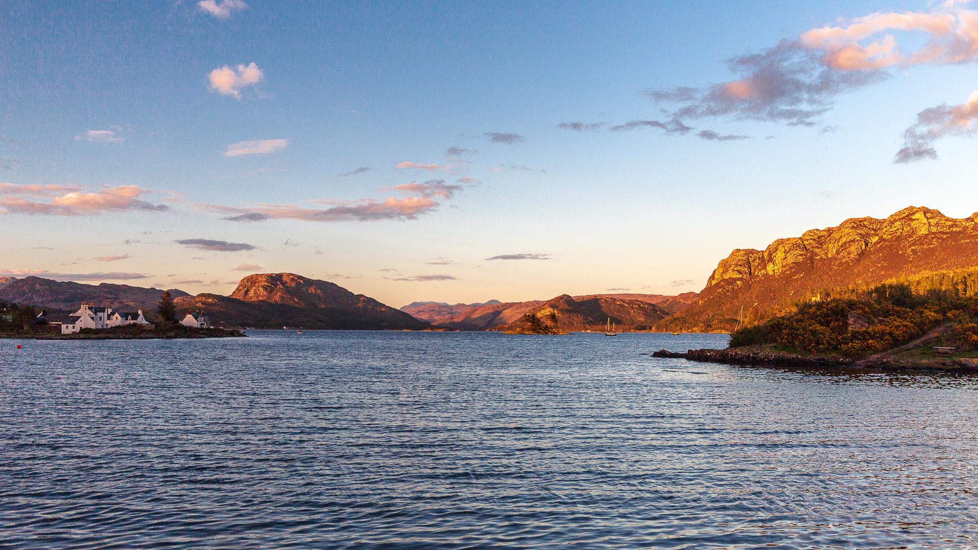 Loch Carron im Sonnenuntergang