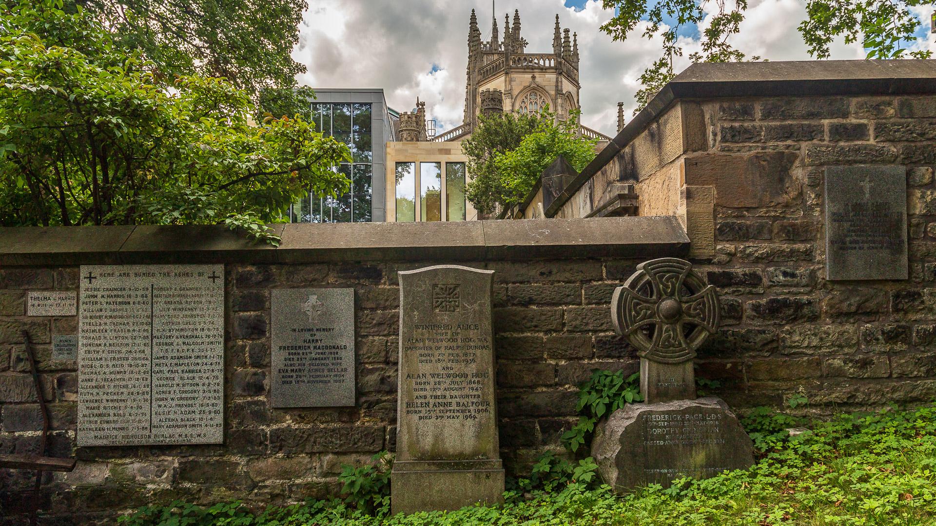 Gräber im Garten um die St John's Church