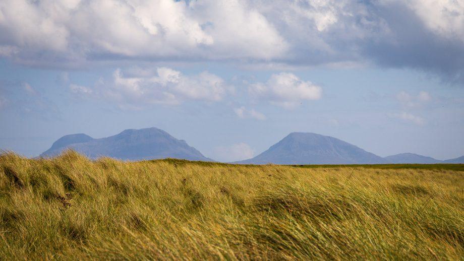 Blick auf Jura von Oronsay aus