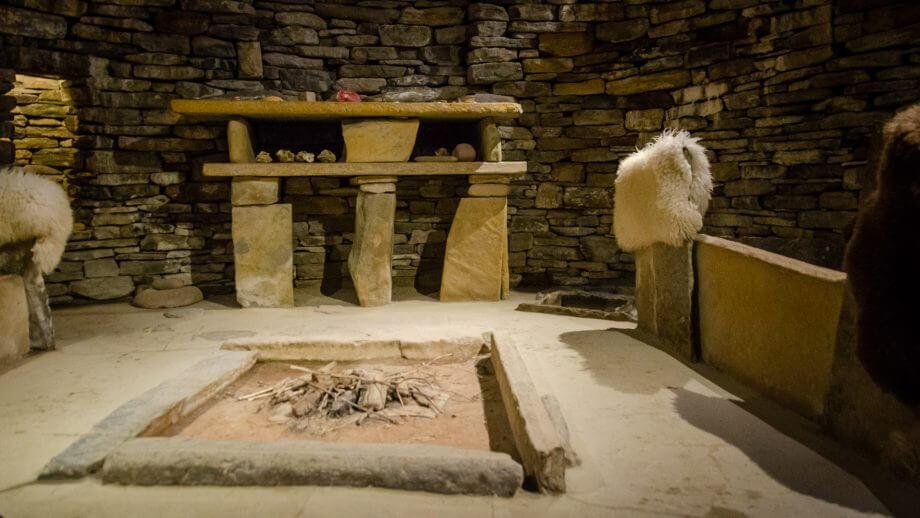 Steinzeit-Wohnzimmer