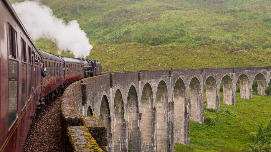 Mit dem Jacobite Steam Train auf dem Glenfinnan Viaduct