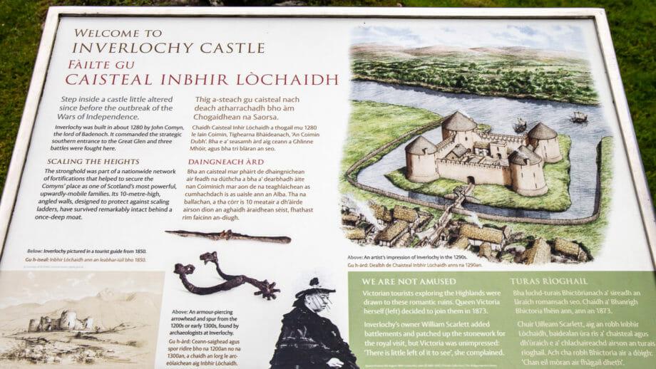 Infotafel an der Inverlochy Castle