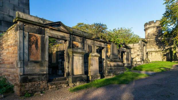 Mausoleen