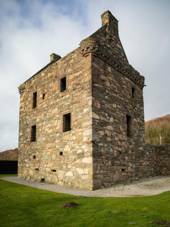 Carsluith Castle hinten
